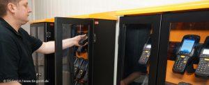 TIS GmbH richtet platzsparende Aufbewahrungslösung für mobile Computer ein