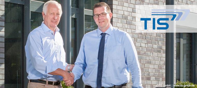 Josef Bielefeld übergibt seinen Teil der Geschäftsführung der TIS GmbH an Markus Vinke.